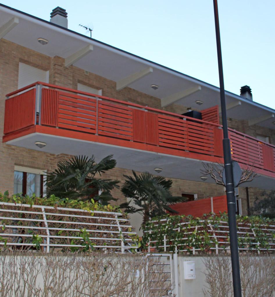 MgCostruzioni_Ferro_Balcone Moderno Ferro Rosso